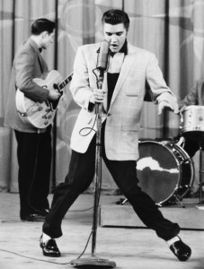 elvis-presley-dancing-thesuiteworld